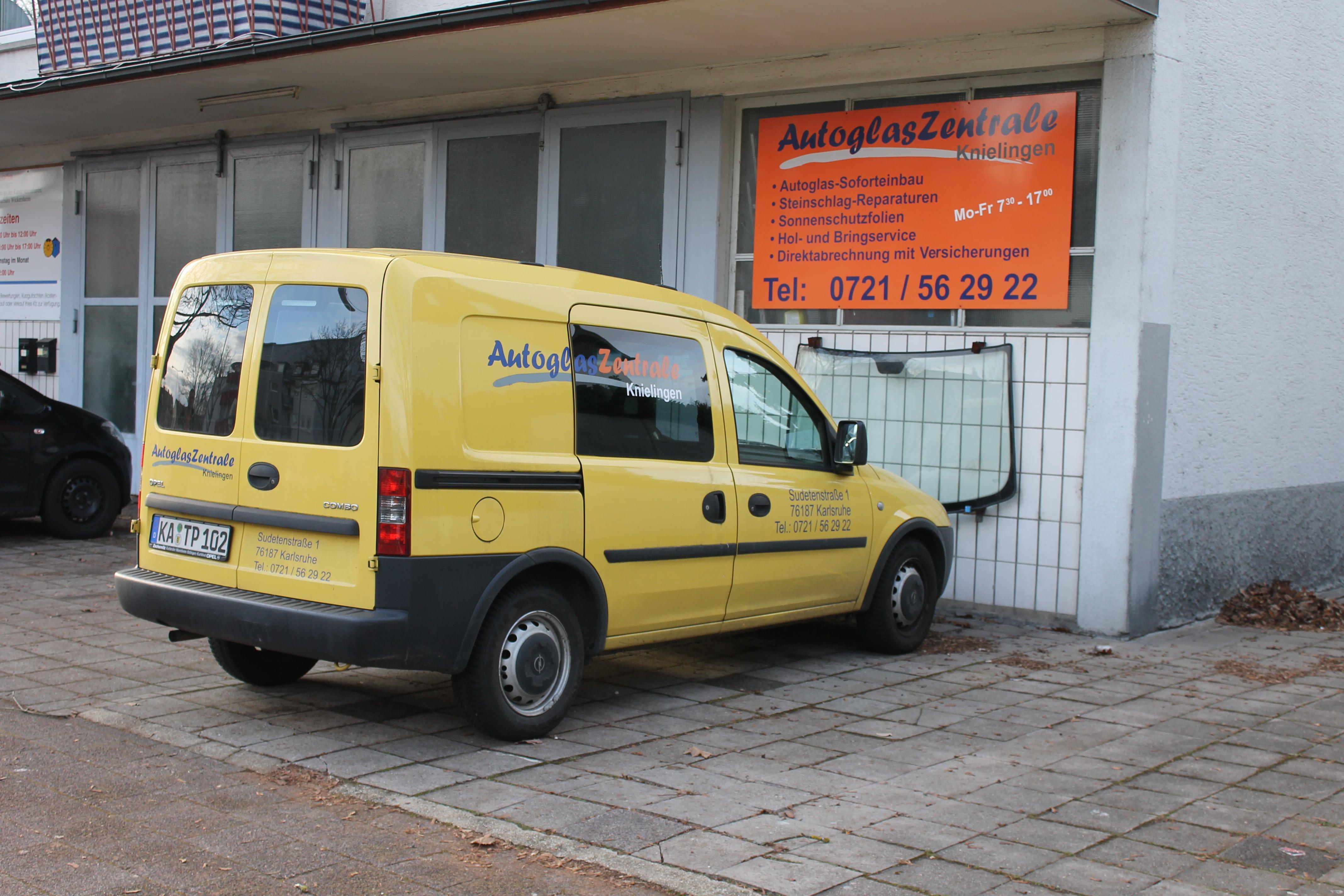 Autoglas Zentrale Karlsruhe sehr schneller Soforteinbau von Autoglas in Karlsruhe