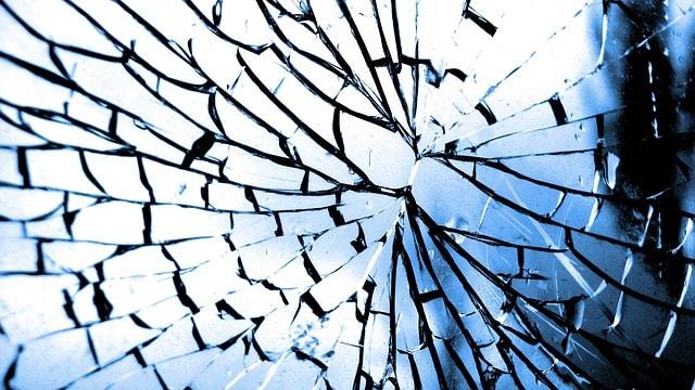 Autoglas, Steinschlag, Risse, Windschutzscheibe, Reparatur