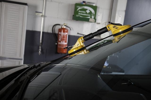 Autoglas, reparieren, Steinschlag, Frontscheibe, Windschutzscheibe, Reparatur, Werkstatt